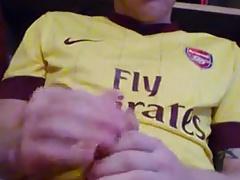 Gunners Fan fires his Gun