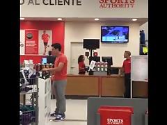 Str8 bulge in mall