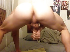 Shows his ass and jerk