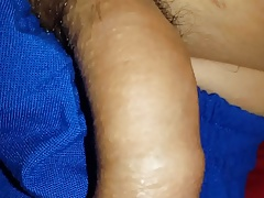 boy masturbandose