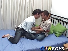 Twinks hook up to taste each others dick
