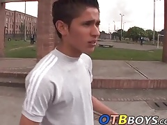 Latin skater Juan Carlos wanks his dick