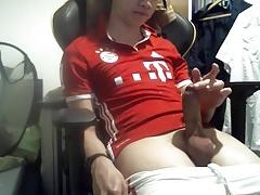 Soccer Twink jerking off
