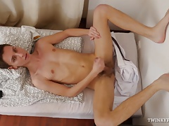 Twink Johny Cherry Foot Fetish Jerk Off