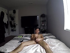 Amateur Twink Kainan Beats Off