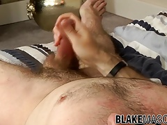 Good looking twinkie Sam Ford masturbates in his bedroom