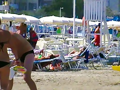 Let's spy next door Italian males in speedos a7il (1)