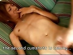 Young Japan boy cumshots two times !